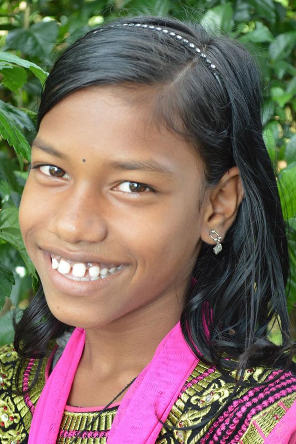 Gita Murmu ID3279 Grade: 6 Female